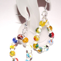 Beaded hoop earrings multicolor marble effect