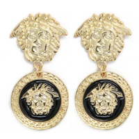 Fashion metal texture of the head of the queen's head exaggerated earrings