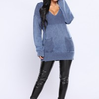 Want To Be Seen Sweater - Navy
