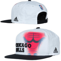 Chicago Bulls adidas 2014 Authentic On-Court Adjustable Strapback Hat - White