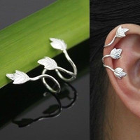 Womens Vintage Alloy Leaf Design Earring Stud Ear Cuff Wrap Clip Ear Ring Silver (Color: Silver) = 1946915524