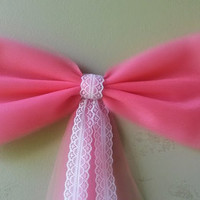 Coral Pew Bow with Lace, Wedding Pew Bow, Lace Pew Bow, Tulle Pew Bow, Bridal Shower Bow, Door Mailbox Tree Topper Church Decoration