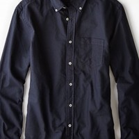 AEO Men's Solid Oxford Button Down Shirt (Navy)