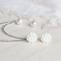 White Dainty Flower and Pearl Stud Chain Cartilage Piercing Set