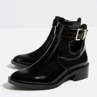 FLAT OPEN ANKLE BOOTS New