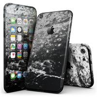 Black and White Grungy Marble Surface - 4-Piece Skin Kit for the iPhone 7 or 7 Plus