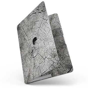 """Aged Cracked Tree Stump Core - 13"""" MacBook Pro without Touch Bar Skin Kit"""