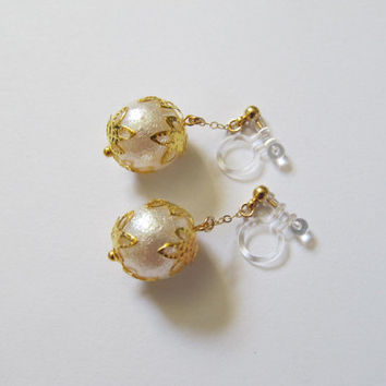 Ivory AIR PEARL Wedding Clip on earrings |6A| Filigree Lace Bridal Clip on earrings, Non Pierced Earrings, Gold Pearl Clip on Earrings