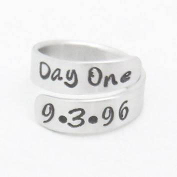 Customized first date ring - anniversary gift -  Girlfriend or boyfriend gift anniversary ring - Child birthday birth date ring