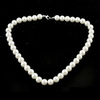 Ladies Lobster Clasp Round Faux Pearl Linked Necklace White