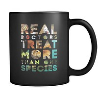 Veterinary coffee cup - Real doctors treat more than one species