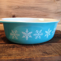 Vintage Pyrex Turquoise Snowflake Oval Casserole Dish# 043