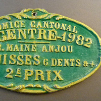 """French cattle trophy medal 1982, cattle breeder award prize, french vintage, painted metal plaque, country decor """"à la française"""" green gold"""