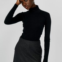 The Fitted Turtleneck