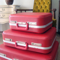 Vintage Stackable Set of 3 Red Suitcases, Retro Red Suitcase Set, Mid Century Modern Red Decor, Vintage Travel Set