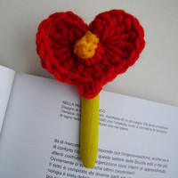 Valentine's Dolly Pegs Decorations, Set of 3 Wooden Dolly Pegs with Crochet Red Heart