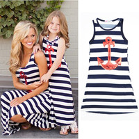 New 2016 sleeveless mother daughter dresse Family Matching clothes Striped Mom and daughter dress Family look outfits
