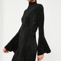 Missguided - Black Crinkle Flared Seeve High Neck Dress