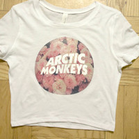 arctic monkeys floral crop top - logo band tee