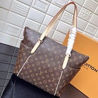 LV Louis Vuitton MONOGRAM CANVAS TOTALLY HANDBAG SHOULDER BAG TOTE BAG