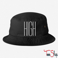 HIGH BUCKET HAT