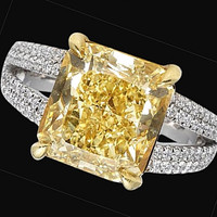 Radiant yellow canary center diamond 3 carats ring halo diamonds