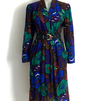 Striking 1980s  abstracted floral print day dress with gathered waist and side pockets