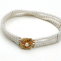 Vintage Pearl Chocker Necklace with Gold Clasp