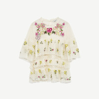 EMBROIDERED TULLE BLOUSE DETAILS