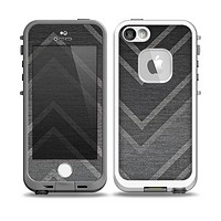 The Two-Toned Dark Black Wide Chevron Pattern V3 Skin for the iPhone 5-5s fre LifeProof Case