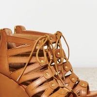 AEO Women's Dv By Dolce Vita Rhoda Wedge (Honey)