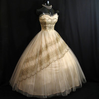 Vintage 1950's 50s Bombshell STRAPLESS Peach Gold Embroidered Lace Tulle Party Prom Wedding Dress Gown