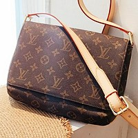 Hipgirls LV Louis vuitton New fashion monogram leather shopping leisure shoulder bag crossbody bag