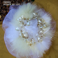 Romantic Brooch Pearl Wedding Bouquet -White and Ivory Pearls, Feather Bridal Bouquet