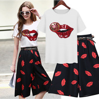 White Sequin Lips Shirt And Black Lips Print Shorts With Belt