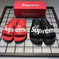 Supreme Design Fashion Monogram Couples Unisex Supreme Slippers Home Beach Wear red