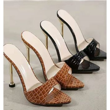 New fashionable snake print open-toe pointed high-heel sandals and slippers