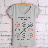 Promotion New Cheap Summer Women T Shirts Twenty One Pilots Graphic Tees Printed Causal Woman Clothing V Neck Cotton Camisetas