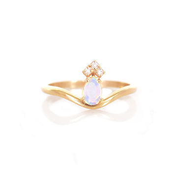 14kt Gold Opal and Diamond Crown Ring