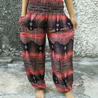 Bohemian Art Paisley Printed Yoga Pants Boho Stylish Hippies Hobo Styles Clothing Clothes Gypsy Tribal Beach Summer For Women Chic in Red