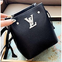 LV New fashion solid color shoulder bag crossbody bag bucket bag Black