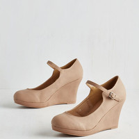 Minimal Who Neutral? Wedge in Tan