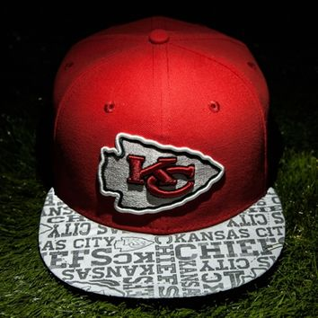 Mens Kansas City Chiefs New Era Red 2014 NFL Draft 59FIFTY Reflective Fitted Hat