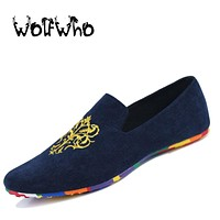 Fashion Suede Men Shoes Soft Nubuck Leather Shoes Casual Slip-on Moccasins Men Boat Loafers Driving Flats Totem Printing Shoes