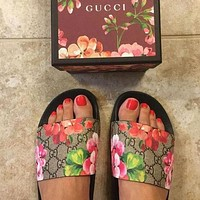 GUCCI Fashion Women Men Leisure Flower Print Beach Flat Sandals Slippers Shoes