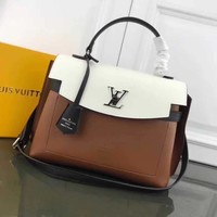 LV Louis Vuitton LEATHER LOCKME EVER HANDBAG INCLINED SHOULDER BAG