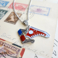 Rift Traveler time lord inspired geek necklace, doctor who inspired, tenth doctor