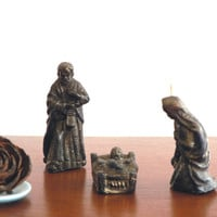 Nativity Scene Christmas candles / Nativity set made of three pieces in black with a golden finish / Christmas décor / Christmas gift idea