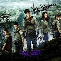 The Maze Runner SIGNED AUTOGRAPHED 10X8 PRE-PRINT PHOTO O'Brien Poulter Kaya