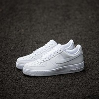 White NIKE Canvas Sports Running Shoes JUICEACTION